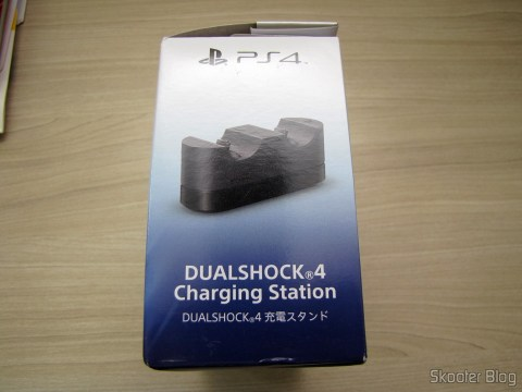 Official Dualshock 4 Charging Station (PS4) (SONY), em sua embalagem