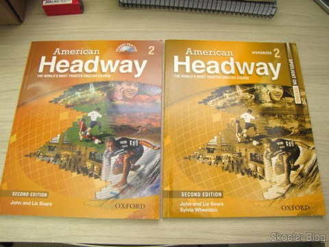 Os livros American Headway 2 Student Book & CD Pack e American Headway 2 Workbook (Spotlight on Testing)