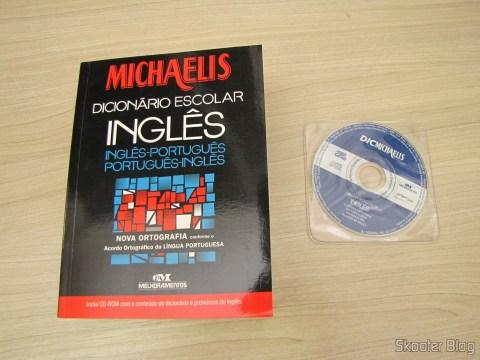 Michaelis - Dicionário Escolar - Inglês-Português e Português-Inglês com Nova Ortografia e CD-ROM
