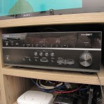 Yamaha RX-V675 7.2 Channel Network AV Receiver with Airplay, em funcionamento