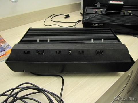 Atari 2600 da Polyvox com fonte externa, após a limpeza