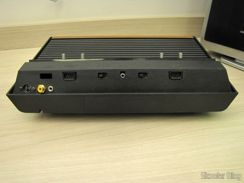 Atari back VCS / 2600 with the S-Video output, Composite Video and Stereo Audio