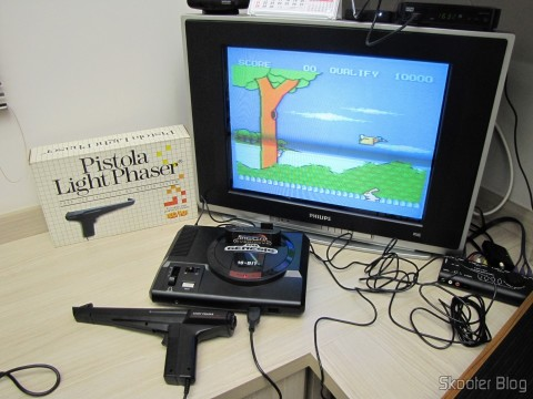Master System games that use the Light Phaser Pistol in Genesis with the Mega Everdrive: Safari Hunt