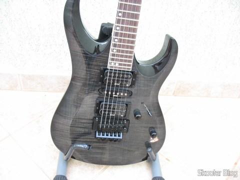 Guitarra Cort X-11: parte dianteira do corpo