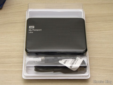 Unpacking the Hard Disk (HD) Externo Western Digital (WD) My Passport Ultra 1TB Portátil Externo USB 3.0,