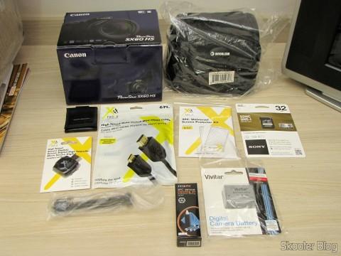 Câmera Digital Canon PowerShot SX60 HS e Pacote Definitivo 32GB com Cartão de Memória SD de 32GB, Bolsa, Bateria NB-10L, Carteira de Cartões de Memória, Leitor de Cartões SD USB, Mini Tripé, Cabo A/V Mini-HDMI para HDMI, Protetores de tela LCD, e Kit de Limpeza de Lentes