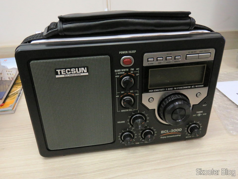 fd55cdb237c Rádio Tecsun BCL-3000 com Sintonizador Analógico e Display Digital AM FM SW