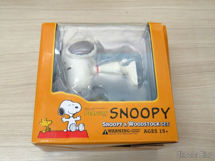 Snoopy third set & Woodstock – Action Figures, on its packaging