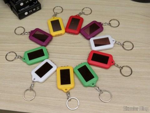 10 Keychain with Mini Flashlight with 3 LED Solar Light as Recarregável,
