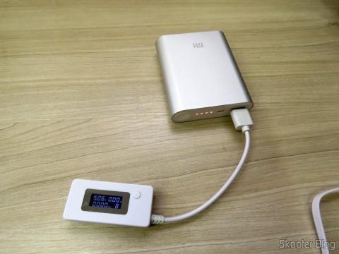 XIAOMI Genuine 10400mAh USB Mobile Power Source Bank w/ 4-LED Indicators - Silver + White com carga completa, pronto para ser usado