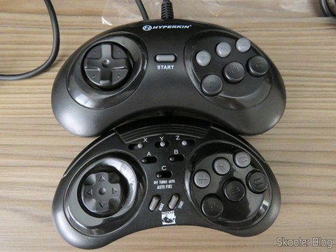 "Genesis ""GN6"" Controller (Hyperkin) next to the ASCII ' Rhino '"