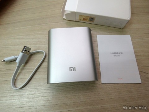 XIAOMI Genuine 10400mAh USB Mobile Power Source Bank w/ 4-LED Indicators – Silver + White, manual e cabo