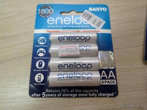 Cartela com 4 Pilhas Recarregáveis AA NiMH 1.2V 1900mAh Sanyo Eneloop Genuínas