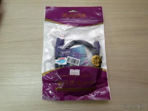 Millionwell 01.0287 USB Male to Micro USB Male Data / Charging Cable – Purple (1.2m), em sua embalagem