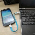Xiaomi Flat Micro USB Male to USB 2.0 Male Data Sync / Charging Cable – Blue (20cm), em funcionamento
