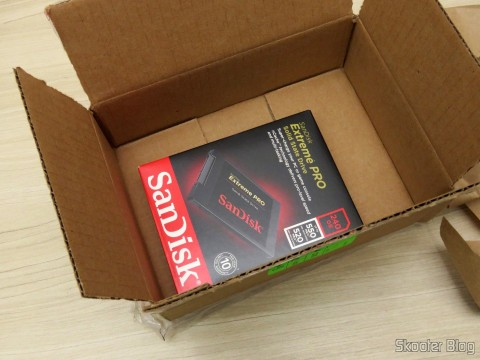 Abrindo a caixa com o Sandisk Extreme PRO de 240GB