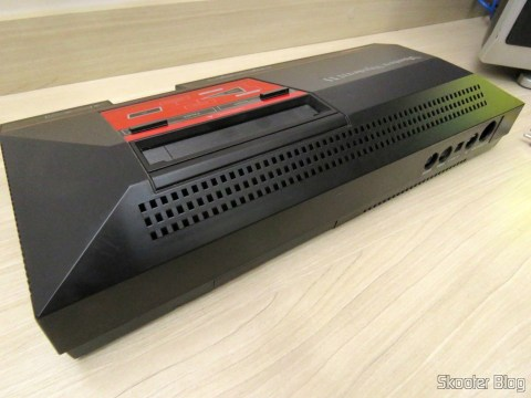 Parte traseira do Console Master System II