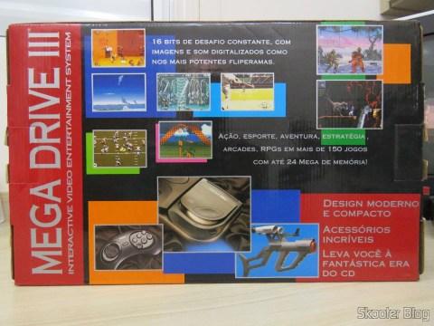 A parte traseira da caixa do Mega Drive III da Tec Toy