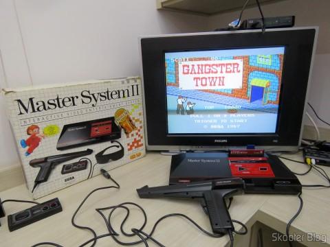 Master System II rodando o Gangster Town com o Master Everdrive