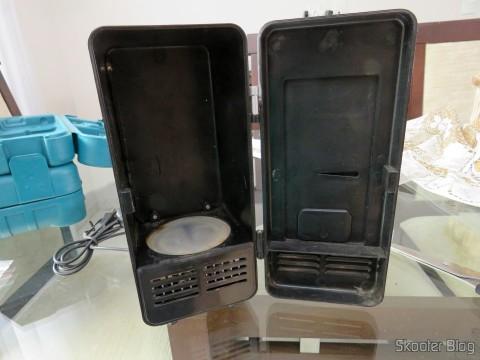 Mini Geladeira USB com o Jtron DC 5V / 0.15A Cooling Fan - Black já instalado