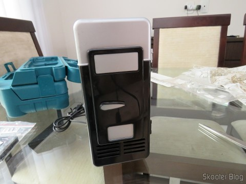 USB Mini Fridge with Jtron DC 5V / 0.15A Cooling Fan - Black already installed