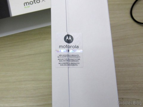 Lacre na caixa do Motorola Moto X Play de 32GB