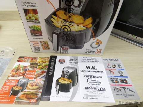 Cookbook, Instruction Manual and other brochures Electric Fryer Mondial Air Fryer Black