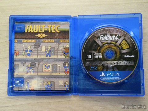 Poster e Blu-ray do Fallout 4 (PS4)