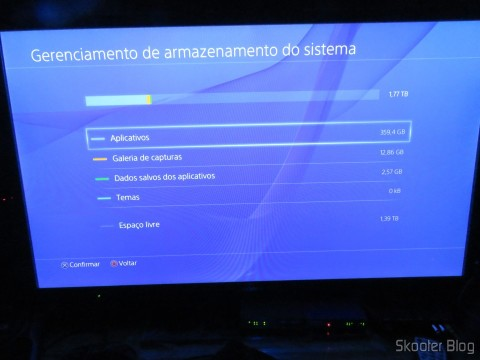 Playstation 4 with the Samsung Spinpoint ST2000LM003 2 TB HD installed
