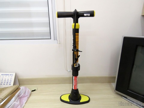 Air pump with lever, with 60 cm, to inflate tires, VONDER