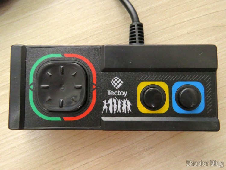Control of the DVD Player Karaoke Dance Machine DVT-F800 from Tec Toy, 100% compatible with the Sega Master System classic