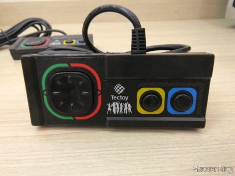 Controle do DVD Player Karaokê Dance Machine DVT-F800 da Tec Toy, 100% compatível com o Master System clássico