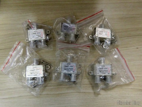 6 VHF/UHF/SAT Diplexer Nanosat, in their packaging