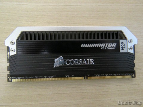 Módulo do Kit Corsair Dominator Platinum 32GB (4x8GB) DDR3 1600 MHz (PC3 12800) Desktop Memory (CMD32GX3M4A1600C9)