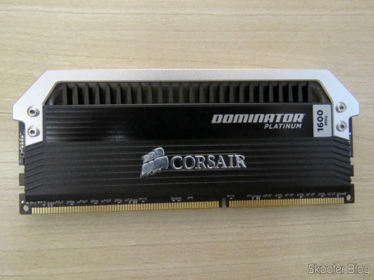 Módulo do Kit Corsair Dominator Platinum 32GB (4x8GB) DDR3 1600 MHz (PC3 12800) Desktop Memory (CMD32GX3M4A1600C9)