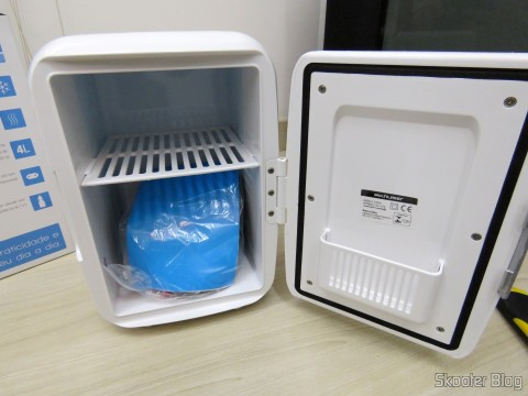 New Mini Portable Fridge 12V or 110V with 4 Liter, Heats and Cools function