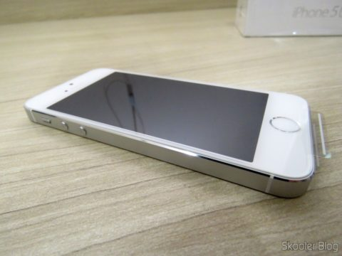 "5S Silver Screen 4 32 GB iPhone"" IOS 8 4G 8MP Camera"