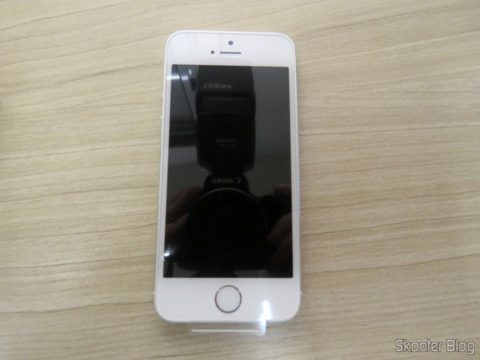 "5S Silver Screen 4 32 GB iPhone"" IOS 8 4G 8MP Camera"