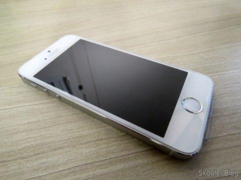 Película de vidro aplicada no iPhone 5S