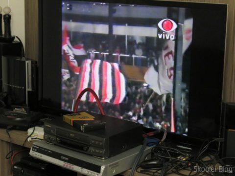 Video Cassete Gradiente GSV-860HF reproduzindo fita VHS e usando Gravador de DVD de Mesa Panasonic DMR-ES10 como TBC