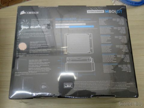 Liquid CPU cooler Hydro Series ™ H80i GT, on its packaging