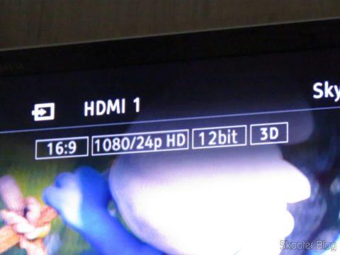 Ponto Escravo executando Blu-ray 3D, com detalhe da profundidade de cores de 36 bits e do sinal 3D