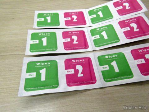 Lenços úmidos e secos que acompanham as 10 Películas para Xiaomi Mi Band 2