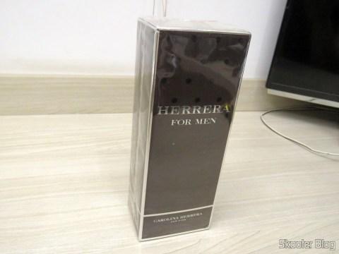 Herrera For Men 200 ml EDT Spray (M), em sua embalagem