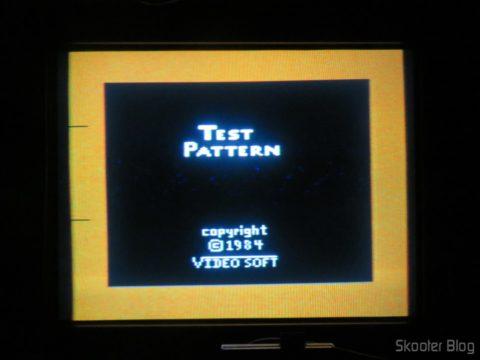 Color Bar Generator no Atari 2600 da Polyvox c/ fonte externa, ainda frio