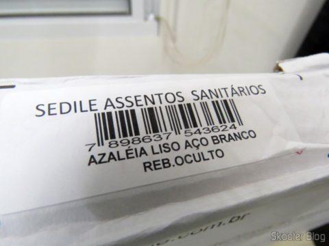 Assento Sanitário Poliéster para Louça Celite Azaléa, da marca Sedile, em sua embalagem