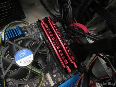 Fazendo o upgrade de memória na máquina para completar