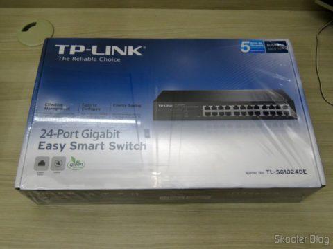 Tp-Link TL-SG1024DE V2, on its packaging