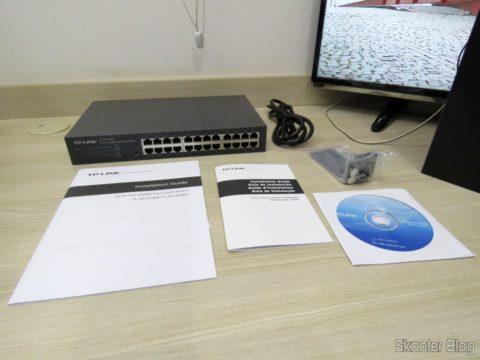 TP-Link TL-SG1024DE V2 and accessories