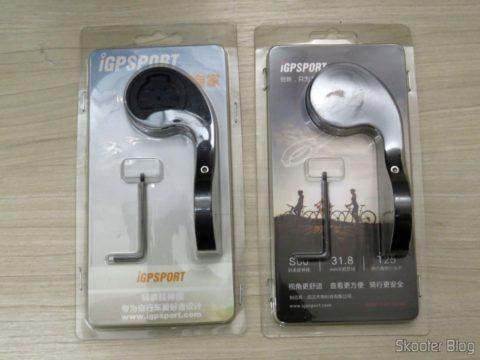 Suporte de 31,8mm para iGPSPORT iGS20/20Plus/60 e Garmin Edge 200 500 510 800 810, em sua embalagem, ao lado do suporte que veio junto com o Velocímetro / Computador de Bicicleta iGPSPORT iGS20E